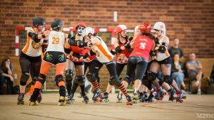 photo : Michel Miossec Facebook Michel Roller Derby Bzh Match Les Morues VS Les Simones